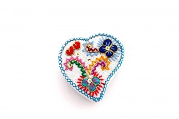 heart embroidered box by Isilda Parente