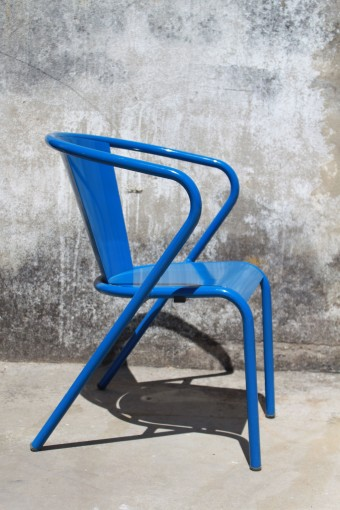 Arcalo blue chair