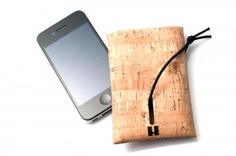 Cork phone case with phone