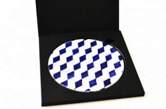 blue tiles pattern table set
